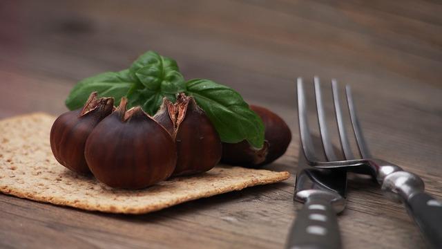 chestnut-998548_640