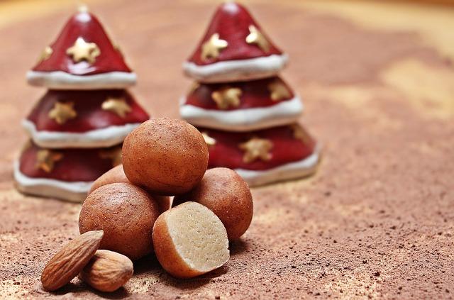 marzipan-potatoes-1731208_640