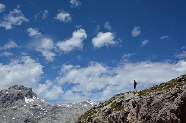 mountain-1650687_640